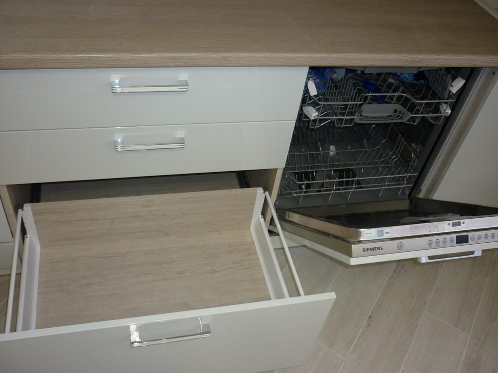 Акриловые кухни-Кухня из пластика «Модель 319»-фото5