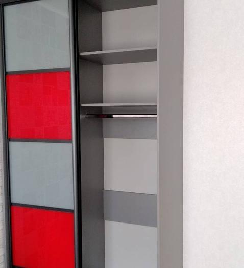 Бельевой шкаф-купе-Шкаф-купе из стекла c Oracal «Модель 420»-фото3